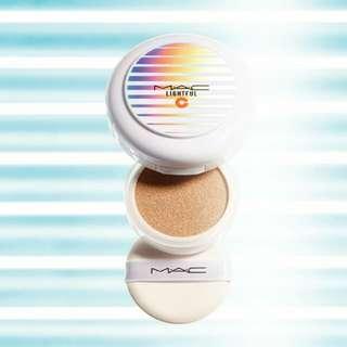 Mac lightful cushion light