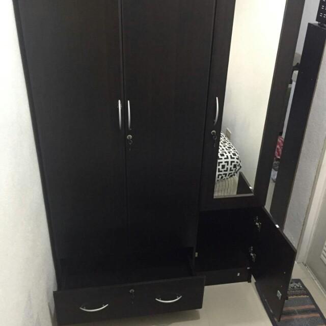 3-Door Dressing Cabinet