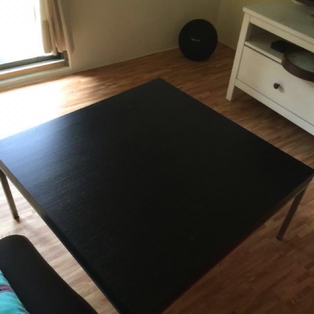 「降價$750」! IKEA時尚四方桌