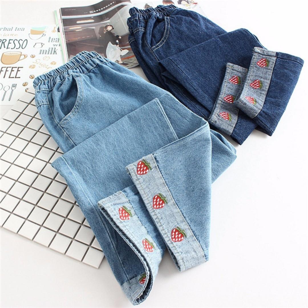 【現貨】日系刺繡草莓反折牛仔褲