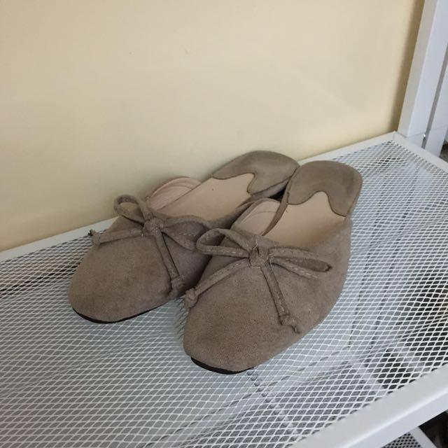 麂皮平底拖鞋