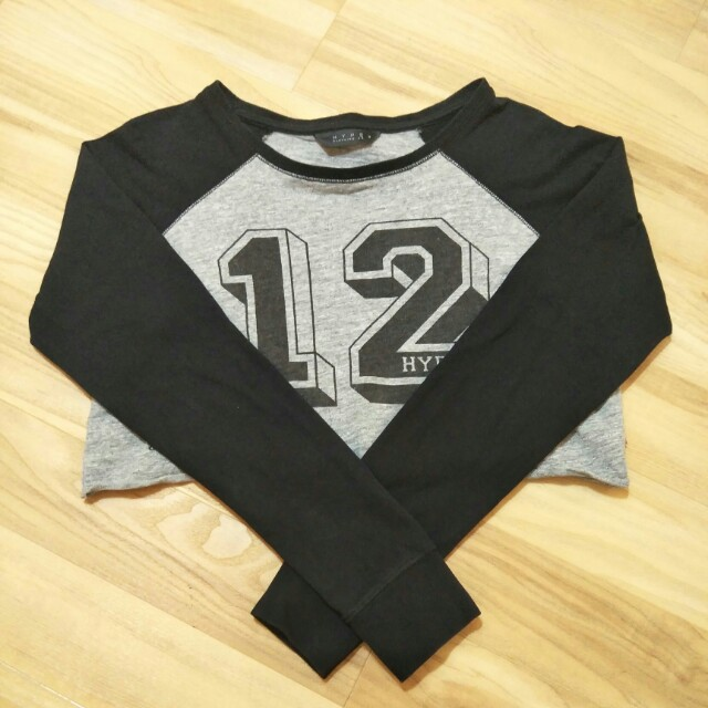 ❤ Hype Clothing Baseball Crop Top in Black and Grey