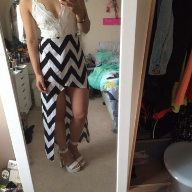 Backless black and white dress size 8