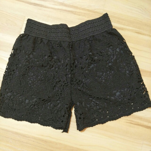 💋 Black Lace Gutter Shorts