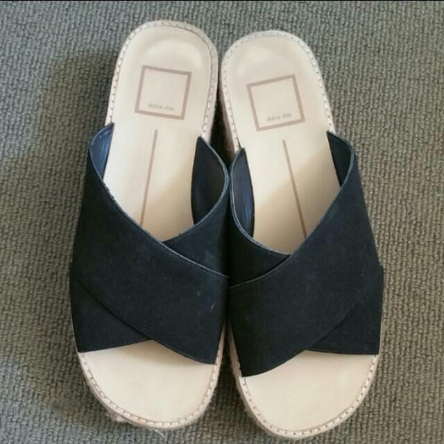 Black sandals size 36
