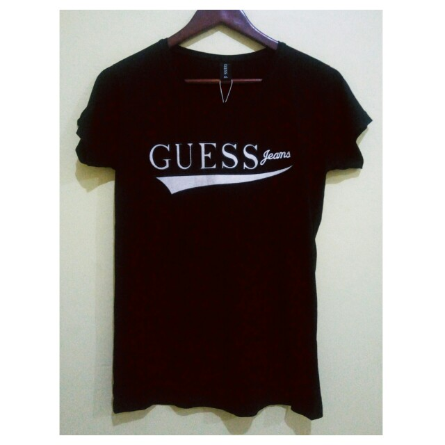 SALE! BRAND NEW WITH TAG GUESS TSHIRT (XL tag)