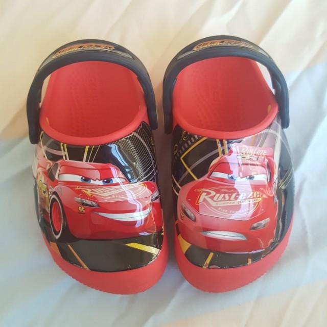 d08897d81d562c Crocs Lightning Mcqueen Slippers   Sandals size 8