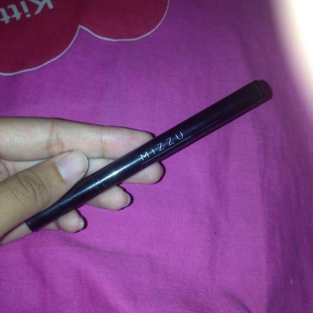 Eyeliner pen MIZZU