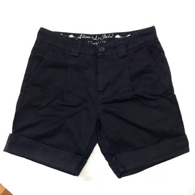 [final price] Galoop 硬挺黑色打/反折短褲