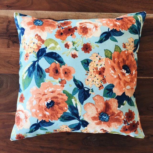 Floral Throw Pillows/Cushions
