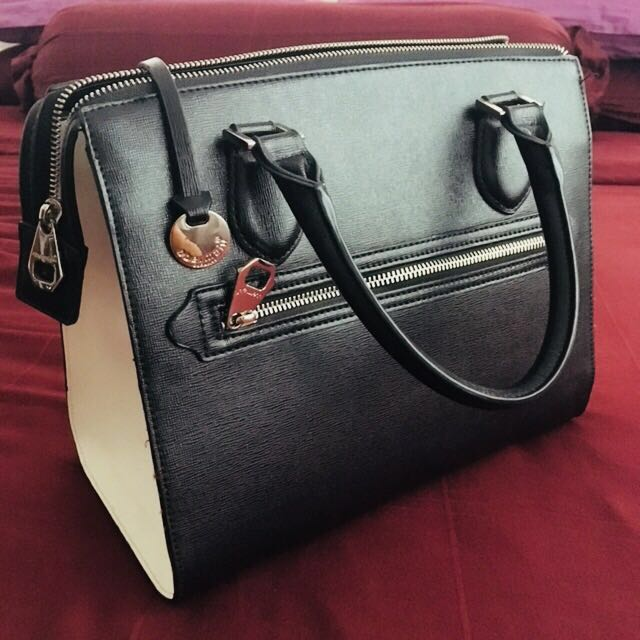 #FreePostage #REDUCED AUTHENTIC Obermain Black & White Handbag