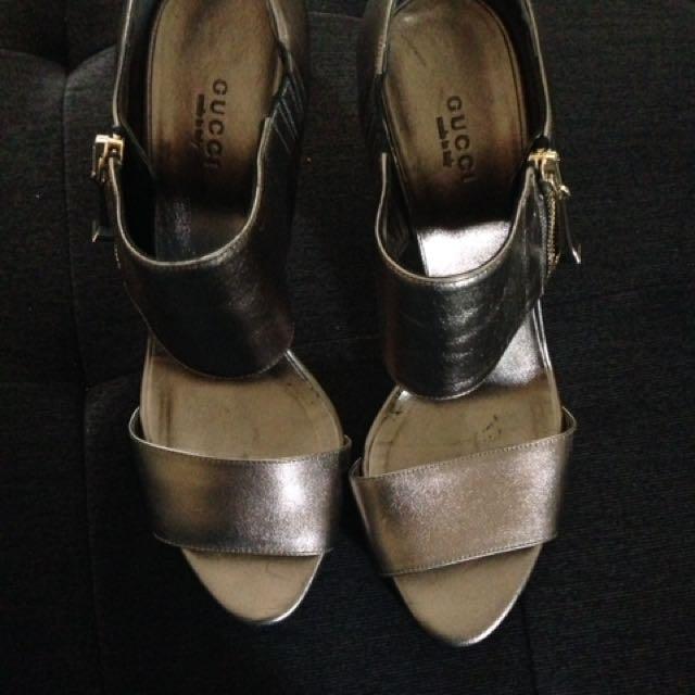 Gucci heels size 9