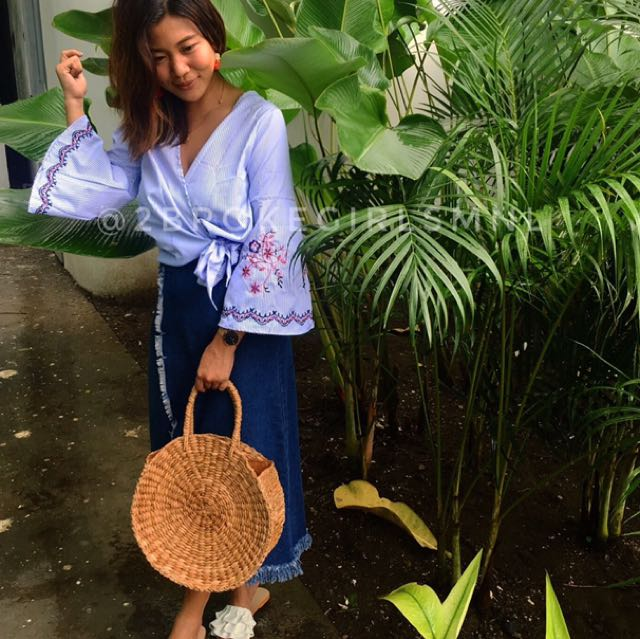 Handwoven native hand bag