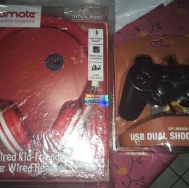 HEADSET AND GAMEPAD