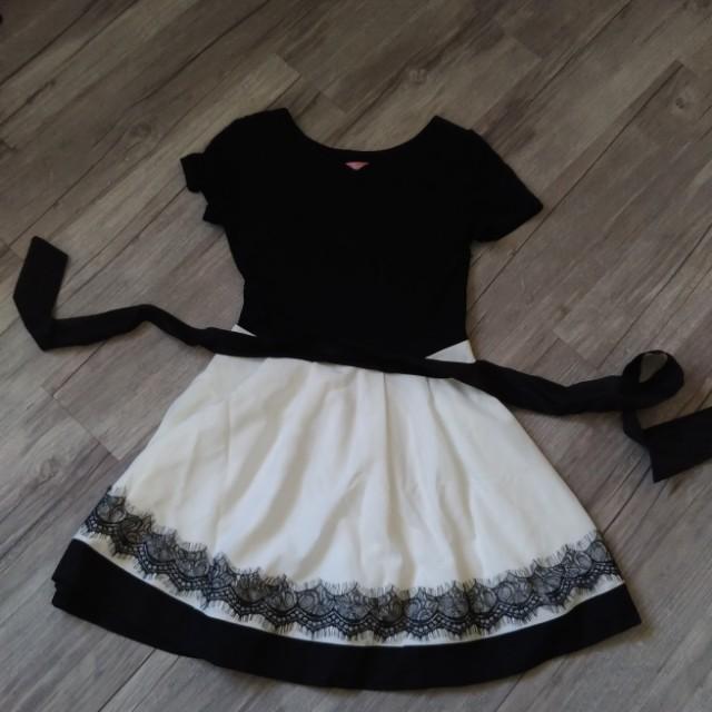 LIVILLE 黑白洋裝