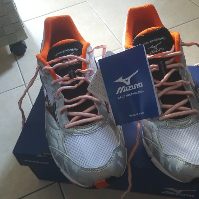 Mizuno Running Shoes(Wave Glory Wide