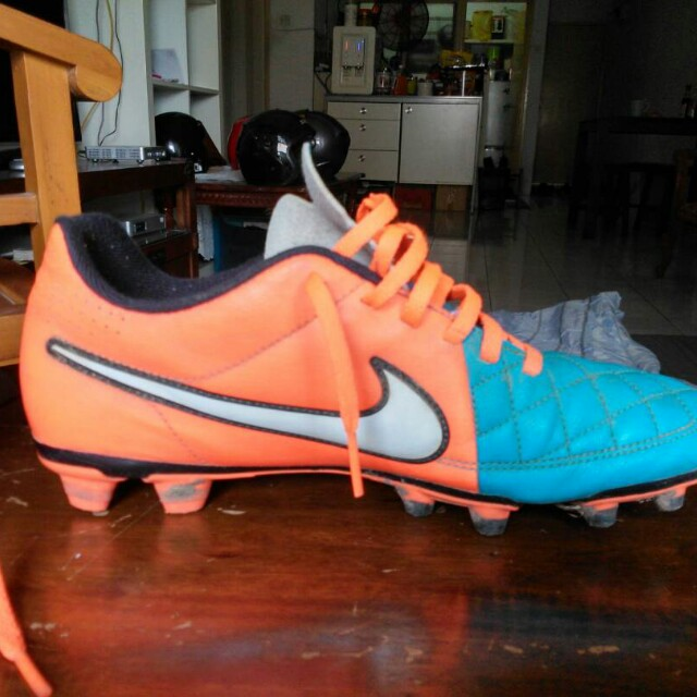 save off 34148 bf5a9 Nike Tiempo Legend 5, Sports, Other on Carousell