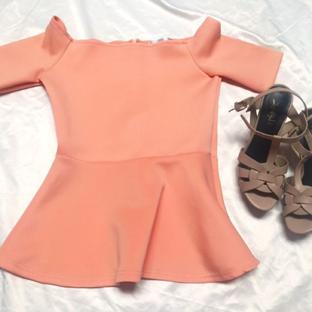Peach peplum sabrina / preloved atasan pink pastel / preloved zara / preloved bershka / preloved stradivarius / preloved mds / preloved love bonito