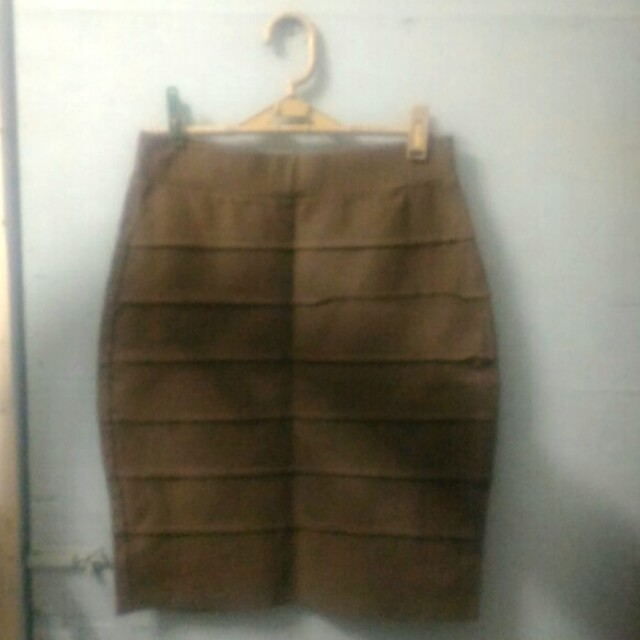 Pencil skirt (brown)