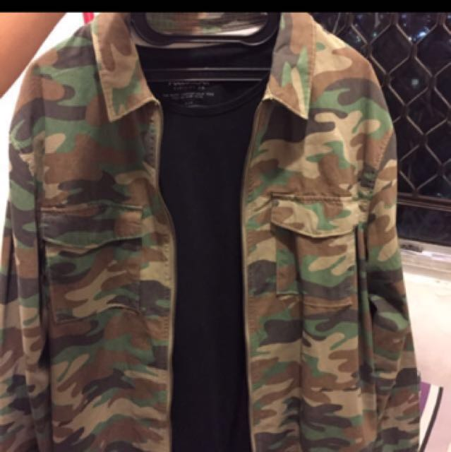Pull and bear Camo Limited Edition