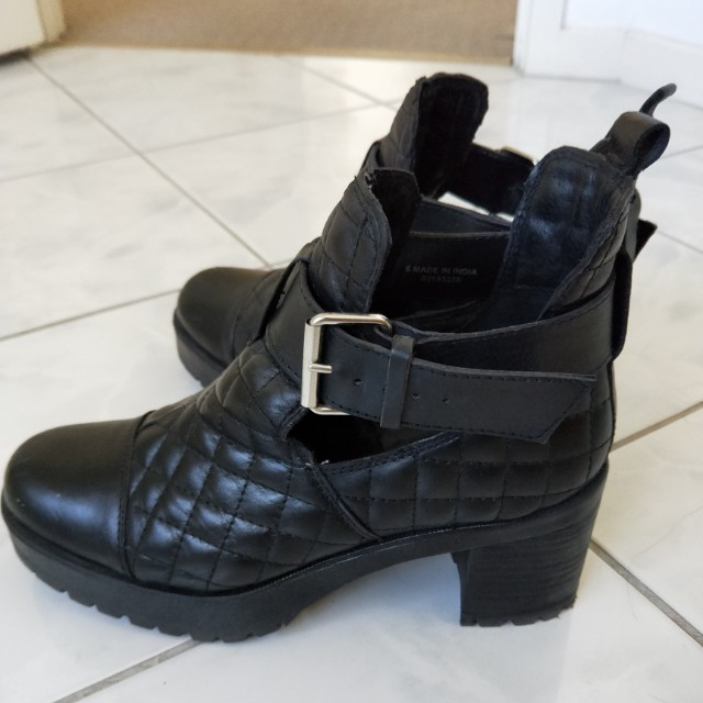 Quilted design Leather boots size UK6