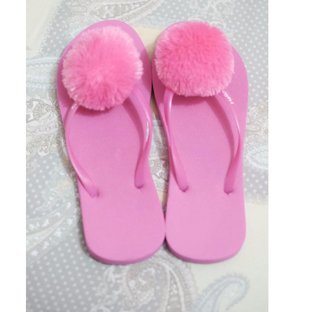 sendal bulu pink