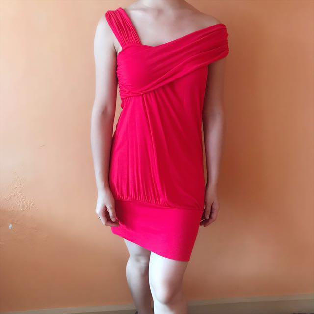 Sexy Comfy Red Dress good as brand new no flaws fits XS-M