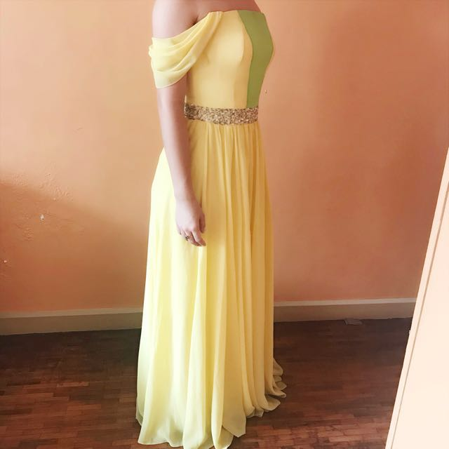 Taylor Swift Inspired Yellow Gown Design fits XS-S used only once for bridesmaid