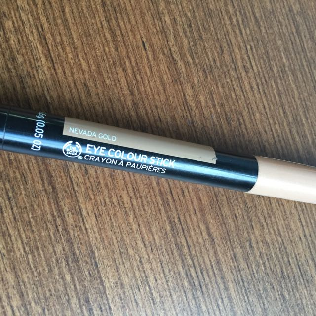 The Body Shop Eyeshadow stick