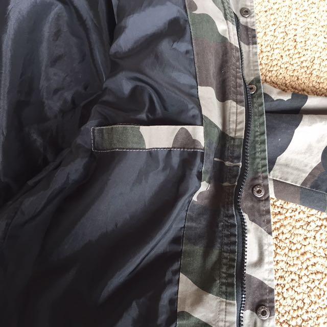 VANS Camouflage pattern jacket