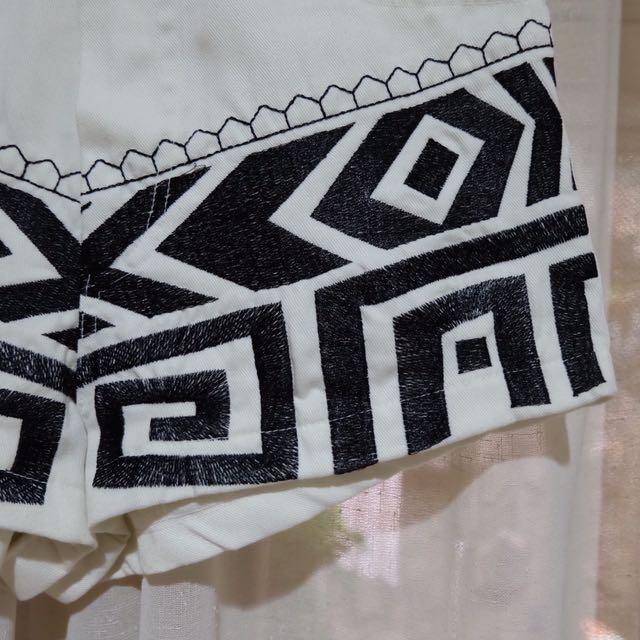 White Tribal Highwaist Jeans