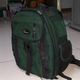 Lowepro 相機後背包
