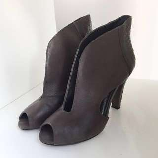 Elliott Lucia Brown Leather Heels