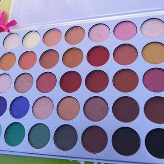 Jaclyn Hill Morphe Eyeshadow Palette!