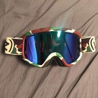 *PRICE REDUCED* VonZipper snow goggles