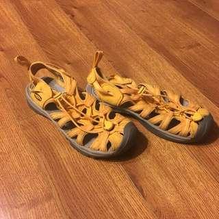 Keen water/trekking shoes