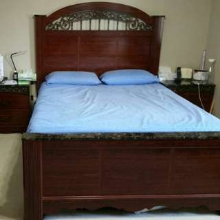Ashley 5 pieces bedset very good condition