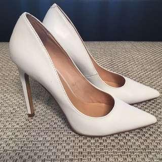 Diavolina white Heels size 7