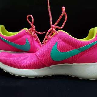 REPRICED!! Nike Rosherun (GS) HYPER PINK/HYPR JADE-VLT-WHITE ROSE/VRTHYP-VOLT-BLANK