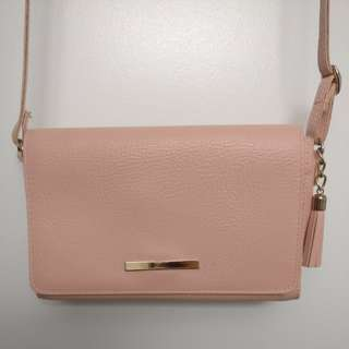 Cross body baby pink purse