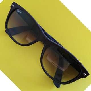 New Wayfarer RayBan Sunglasses (used)