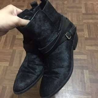 REPRICED : Authentic Hush Puppies Size 6