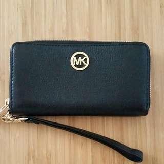 Michael Kors Zip Around Wallet (Black)