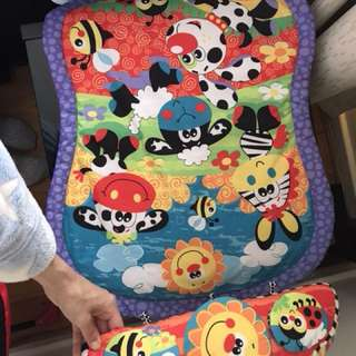 Tummy time mat with support/toys