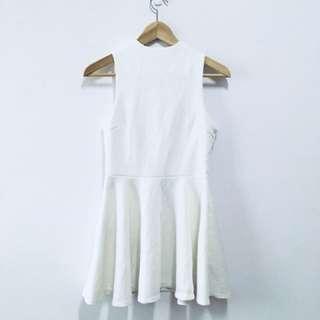 白色削肩無袖洋裝連衣裙