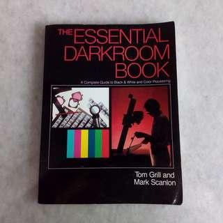 THE ESSENTIAL DARKROOM BOOK [USED]