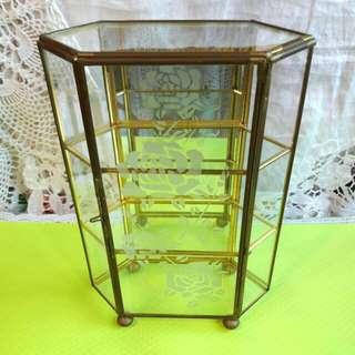 精巧古董手工玫瑰圖案銅框玻璃六角型珠寶櫃
