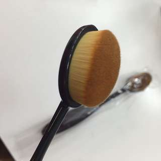 High Quality Oval Brush