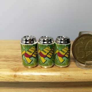 Dollhouse miniature : 3pcs of can 7 up can drinks
