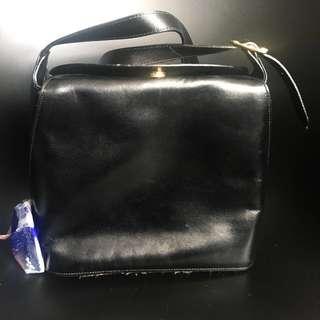 Bally Black leather bag 黑色 皮袋 皮革 新舊如圖 背面有刮痕